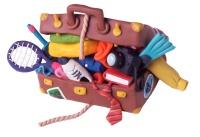 Image humoristique d'une valise pleine à craquer.